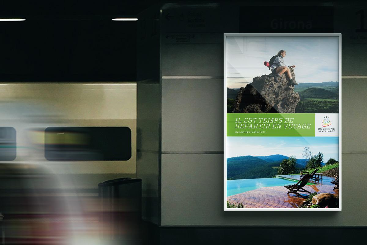 Affiche créée pour la communication touristique de l'Auvergne