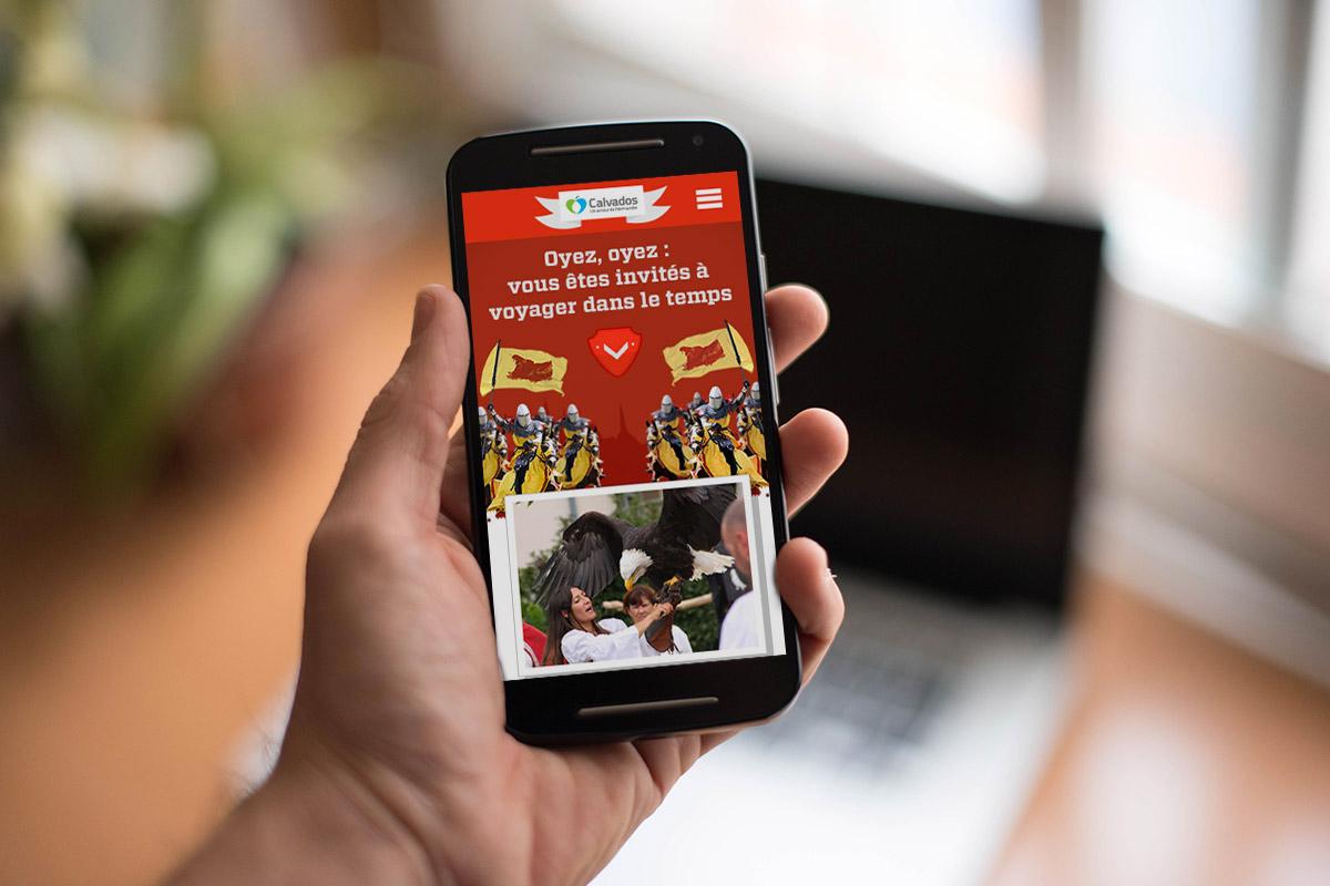 Site mobile dédié à la promotion du Calvados médiéval créé par Bande à part