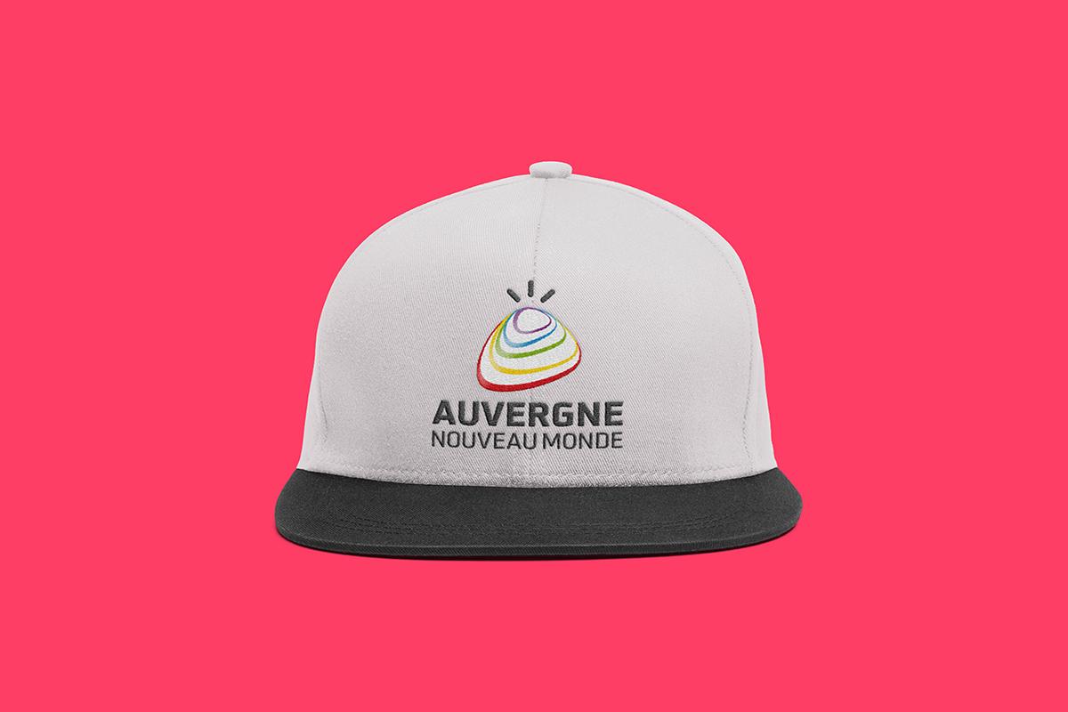 Casquette présentant le logo Auvergne Nouveau Monde